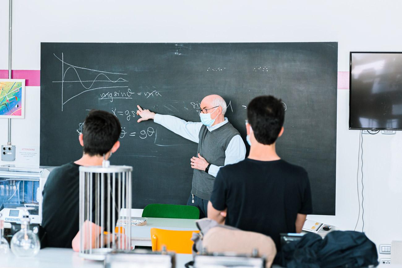 Liceo Scienze Applicate Scuole Manzoni